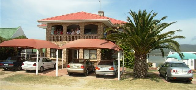 Barrys-Holiday-Accommodation-640x295