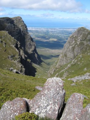 Boegoekloof_-_Hottentots_Holland_Nature_Reserve_-_SA