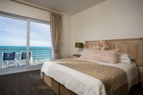 Arniston-Spa-Hotel-VIP-Room-01